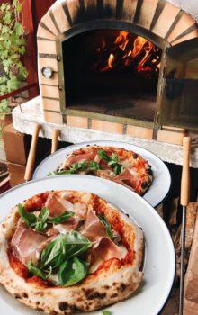 pizza från pizzaugn på äggaboden